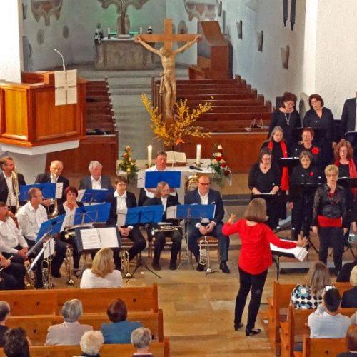 Das Publikum war beim gemeinsamen Auftritt der beiden Chöre begeistert