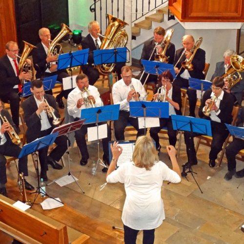 Der Posaunenchor unter der Leitung von Stephanie Hessling beim Konzert in Herbrechtingen